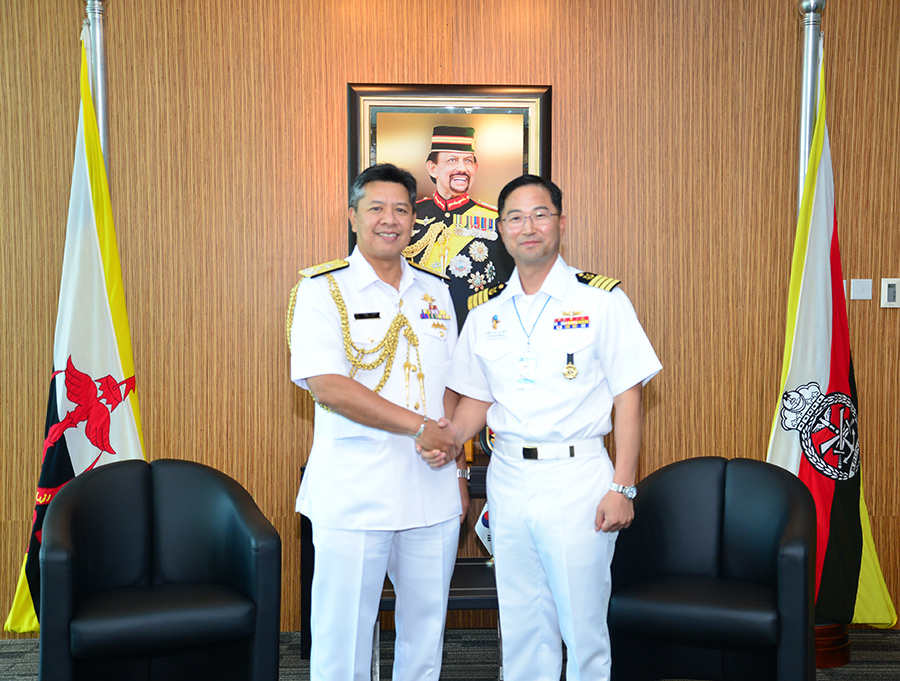 ACTING RBAF COMMANDER RECEIVED VISIT FROM COMMANDING OFFICER, REPUBLIC OF KOREA SHIP