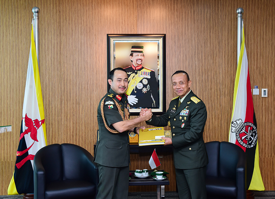 RBAF COMMANDER RECEIVED COURTESY CALL FROM CHIEF OF STAFF, INDONESIAN NATIONAL ARMY