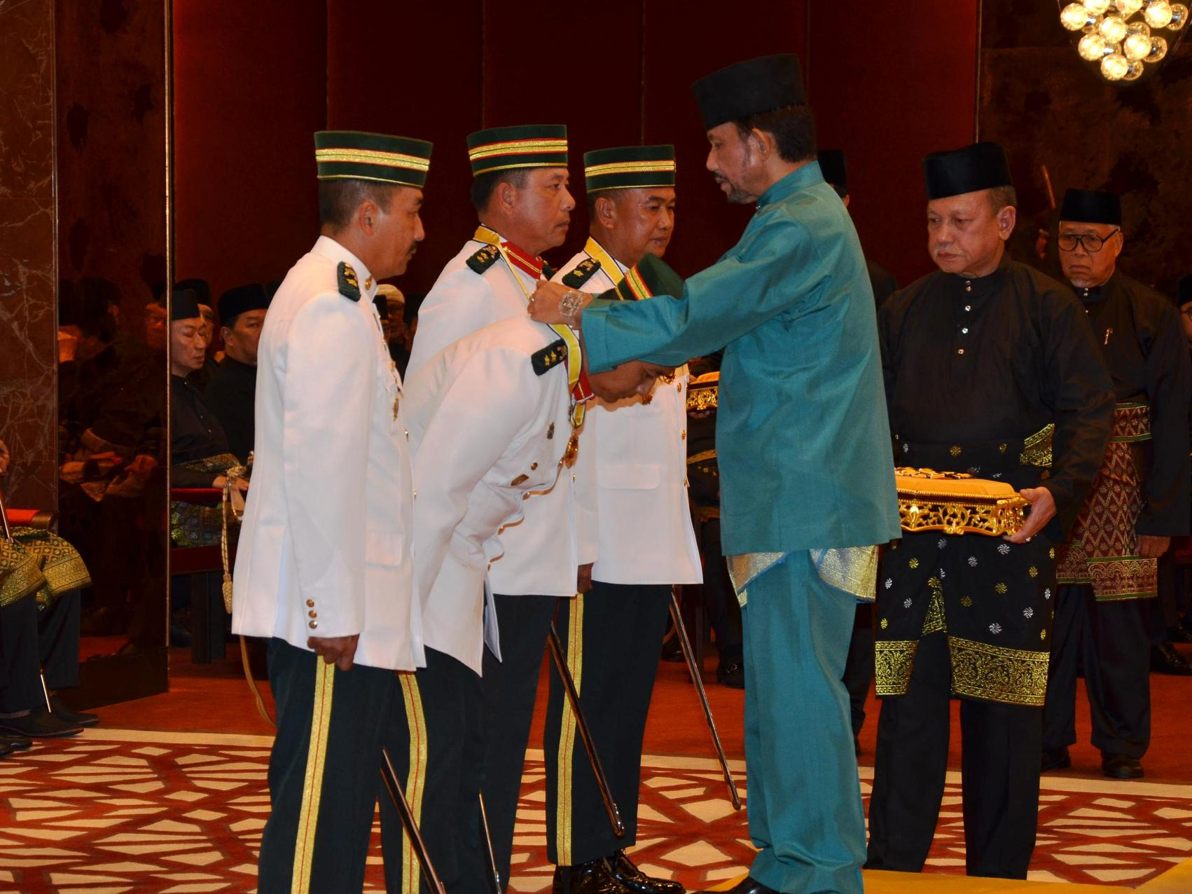 HIS MAJESTY BESTOWS STATE DECORATIONS TO MINDEF & RBAF OFFICERS AND PERSONNEL