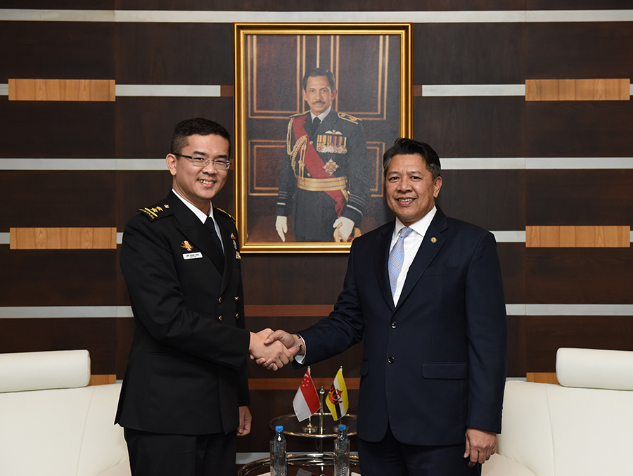 DEPUTY MINISTER OF DEFENCE RECEIVES COURTESY CALL FROM NEW SINGAPORE NAVY CHIEF