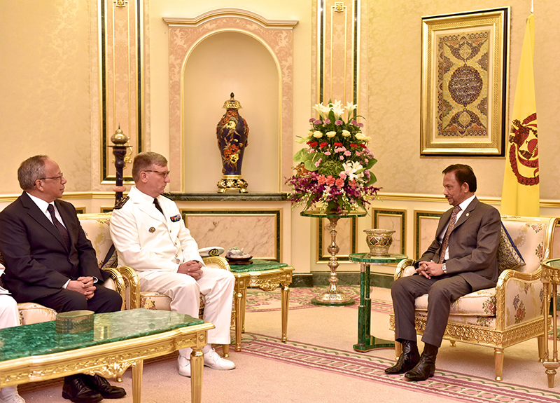 HIS MAJESTY THE SULTAN AND YANG DI-PERTUAN OF BRUNEI DARUSSALAM RECEIVES IN AUDIENCE JOINT COMMANDER ARMED FORCES IN FRENCH POLYNESIA AND COMMANDER OF THE FRENCH POLYNESIAN AND PACIFIC MARITIME ZONES