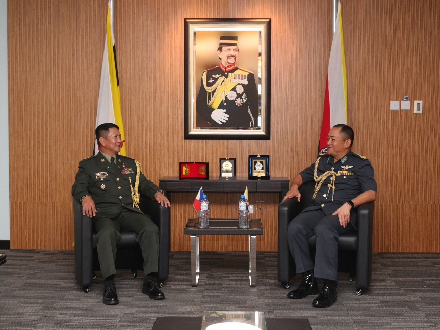 RBAF COMMANDER RECEIVES FAREWELL CALL FROM THE DEFENSE AND ARMED FORCES ATTACHE REPUBLIC OF THE PHILIPPINES TO BRUNEI DARUSSALAM