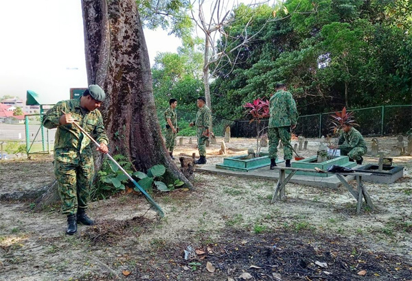 MINISTRY OF DEFENCE'S CLEANING CAMPAIGN AT SEPILOK MUSLIM CEMETERIES, KG PULAIE