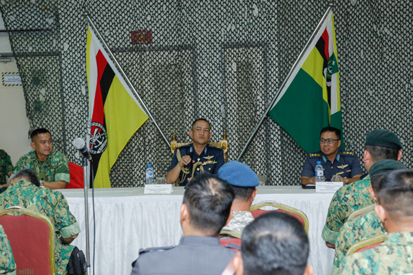 RBAF COMMANDER INTRODUCTORY VISIT TO ROYAL BRUNEI MALAY RESERVE REGIMENT